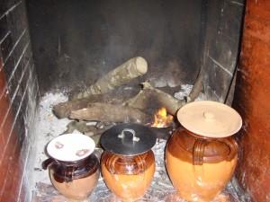 pignate vicino al fuoco